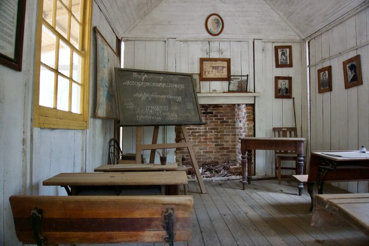 abandoned-architecture-blackboard-752395