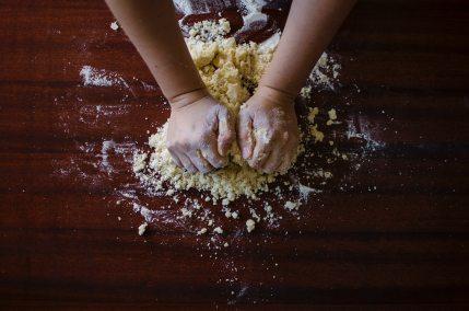 baker-bakery-baking-9095