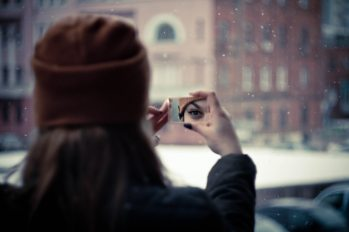 eye-girl-mirror-948354