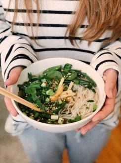 bowl-ceramic-chopsticks-923182